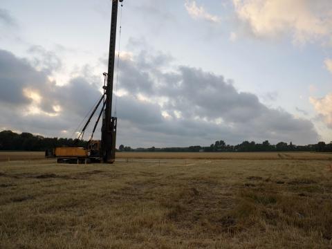 Een eerste paal in de polders van Rockanje