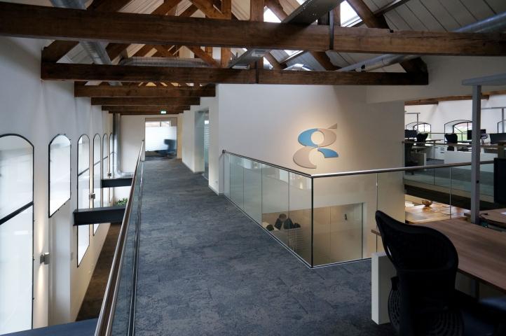 Modern kantoor voor Compass Infrastructure