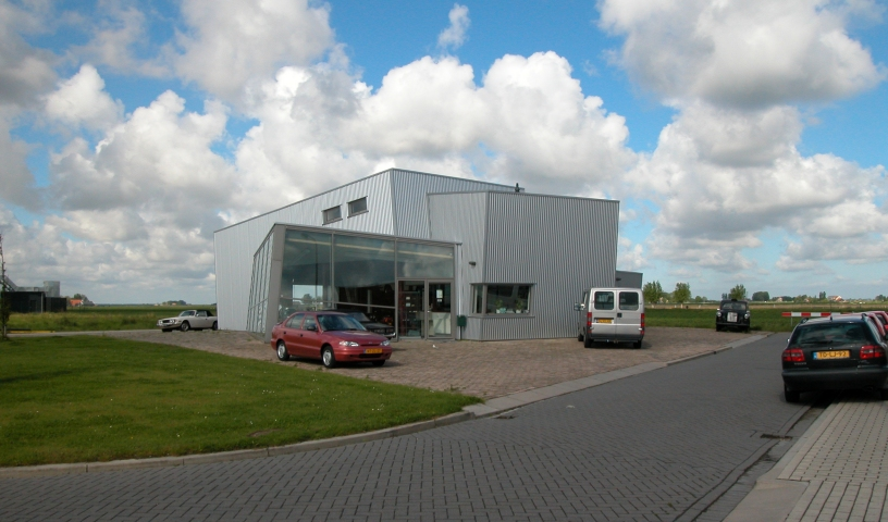 Garage en showroom Zuidland