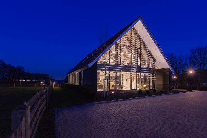 Regiospecifieke architectuur bij Assurantiekantoor Keijzerwaard in Oudenhoorn